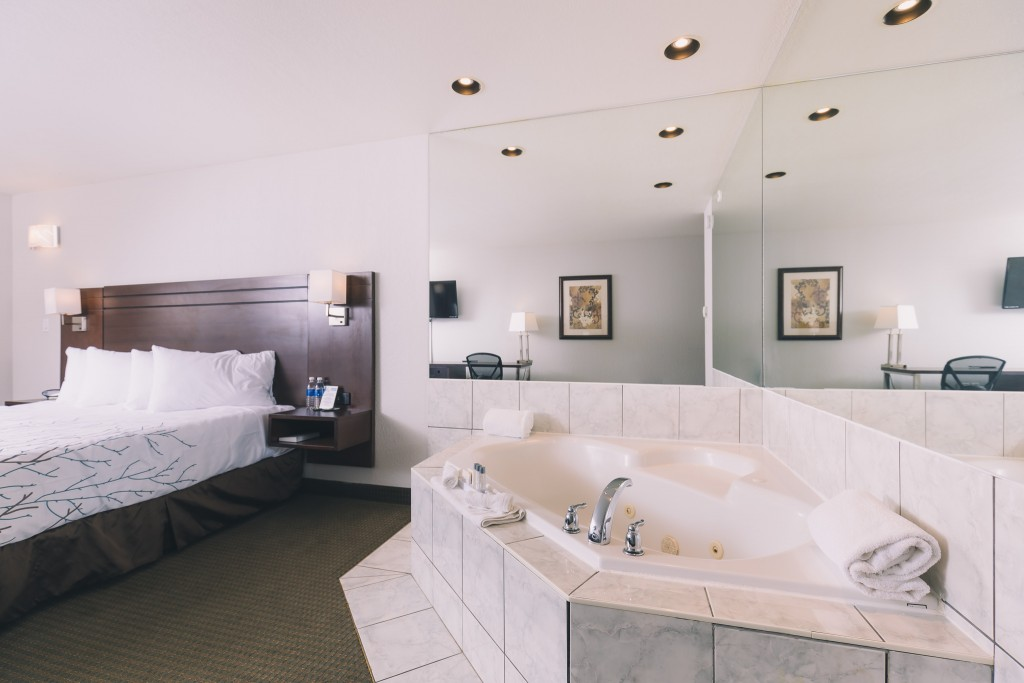 Spa Tub Suite